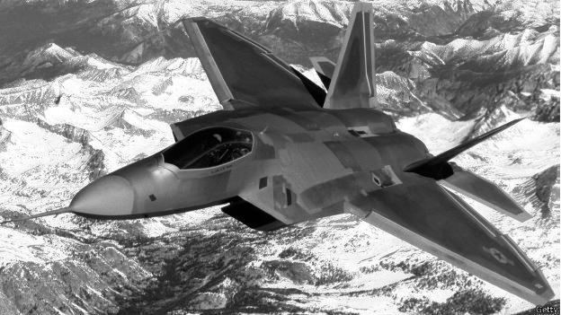 Cazabombarderos de EE.UU. interceptan aviones militares rusos acercándose a Alaska