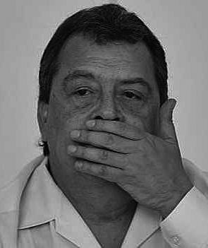 Gobernador de Guerrero se separa del cargo tras presiones por desaparición de estudiantes