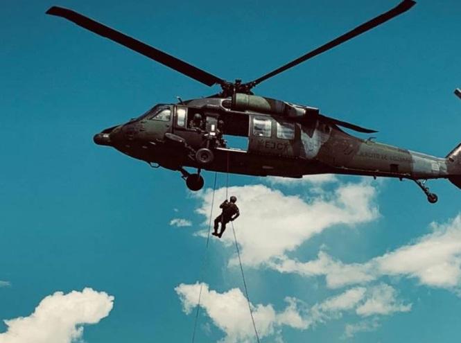 Buzos de la Armada de Colombia recuperan del río Inírida los cuerpos de 9 militares fallecidos en accidente de un Black Hawk del Ejército