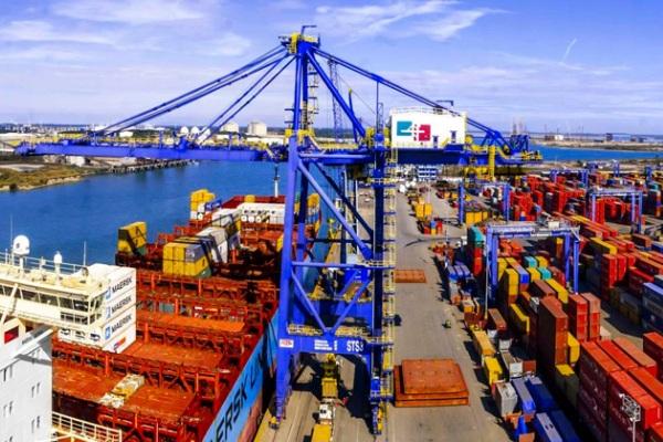López Obrador militariza la administración portuaria en México