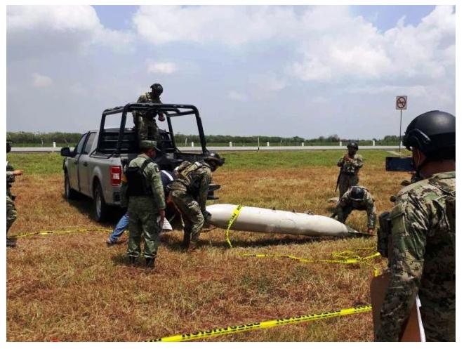 Un T6C Texan de la Armada de México pierde un tanque de combustible al chocar con un ave durante un patrullaje en Tampico